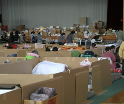 気仙沼市立面瀬中学校体育館での避難生活
