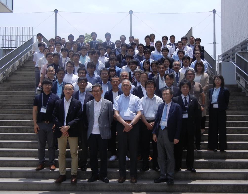 60名近くの受講者、指導医にお集まりいただきました。