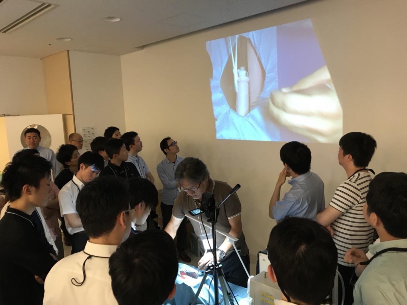 昨年同様、安永先生のレクチャーは活気づいておりました。