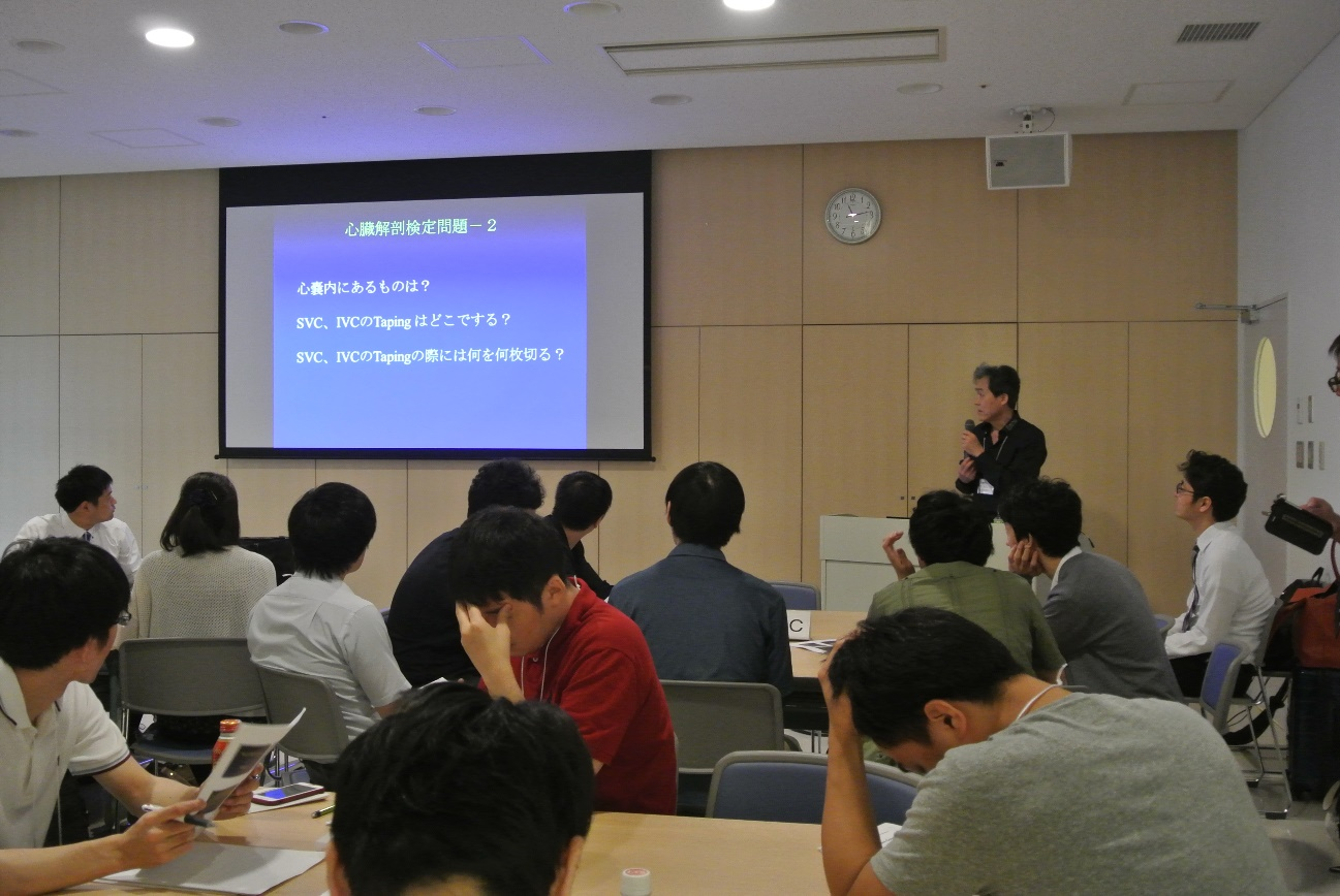 1年越しに叶った、新古賀病院の吉戒先生による解剖講義。